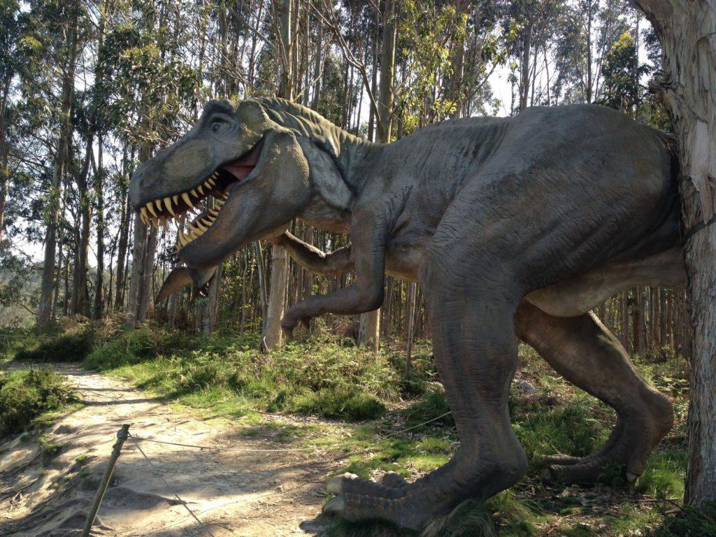 恐竜、アストゥリアス